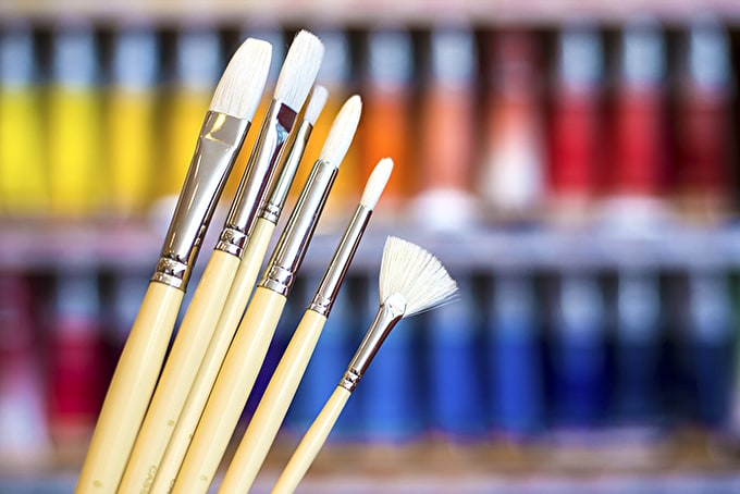 Choose the right paintbrush for your practice