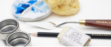 Winsor & Newton have a range of painting accessories to help you achieve the best work.