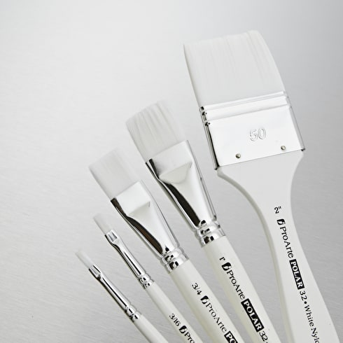 Pro Arte Polar White Nylon Brush Flat Series 32