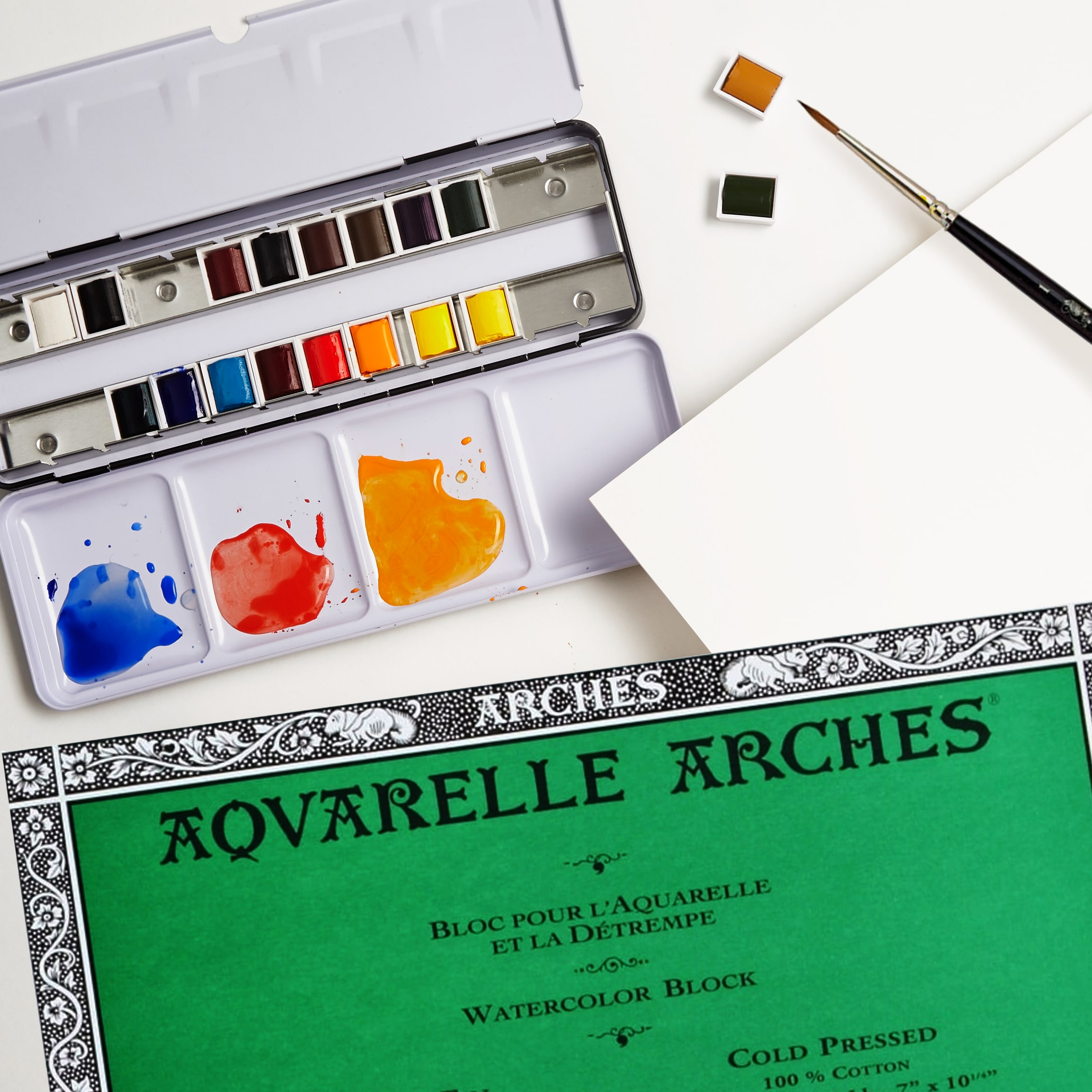 Artists Watercolour Set With Paint