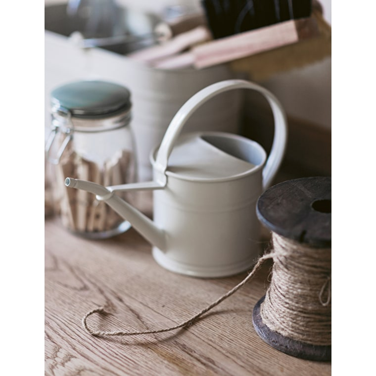 Galvanised 1.5L Watering Can in White    Garden Trading
