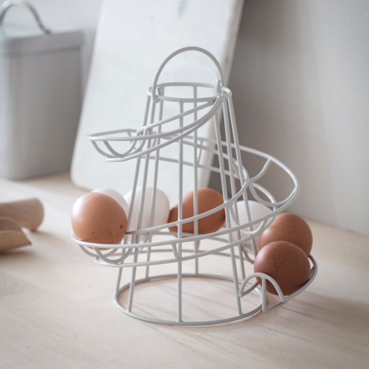 Wire Egg Run in Black or White | Garden Trading