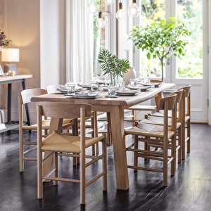 Oakridge Table