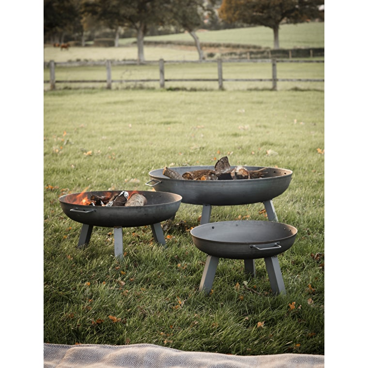 Raw Metal Foscot Fire Pit in Small, Medium or Large | Garden Trading