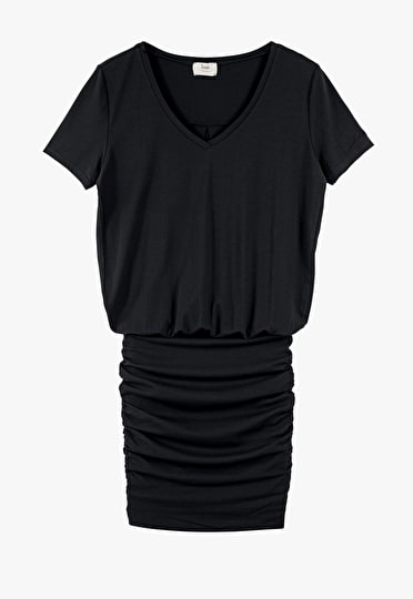 Our Tara dress is made up of a tight skirt and a v neck tee, in a classic black.