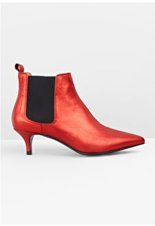Upton Chelsea Boots