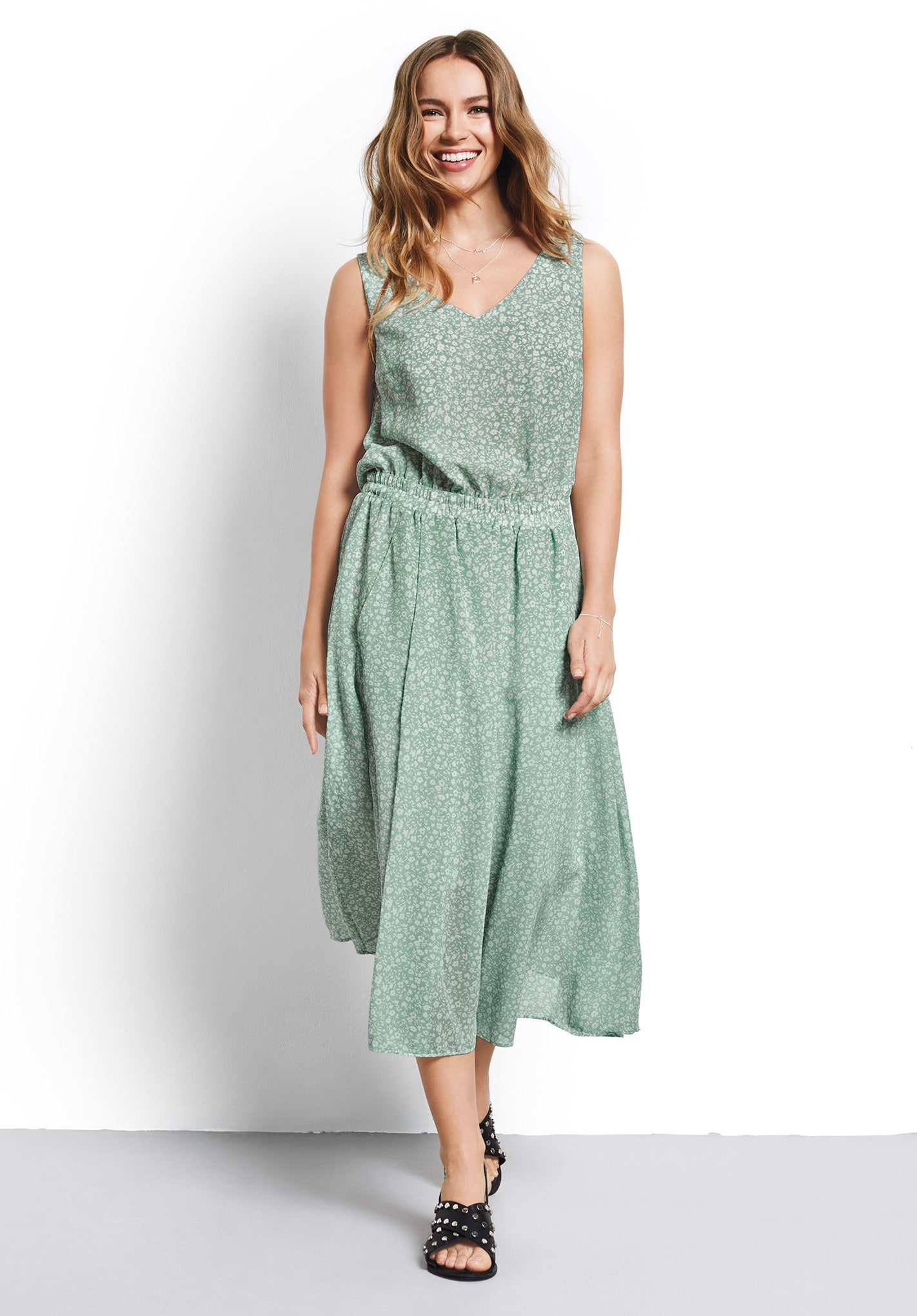 Dresses - Casual, Chic Daywear