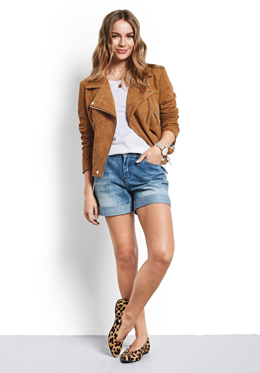 Model wears our tan suede biker jacket in a classic style and finish in a relaxed fit