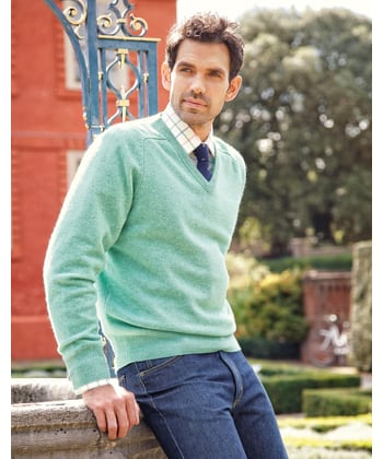 Lambswool Jumper - V Neck - Pastel Green