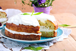 Courgette and Thyme Garden Cake