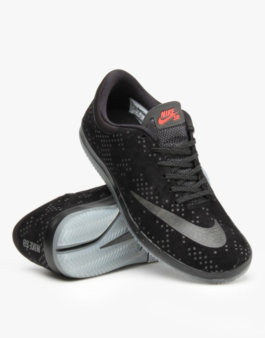 Nike SB Free Premium Flash Skate Shoes - Black/Black-Clear