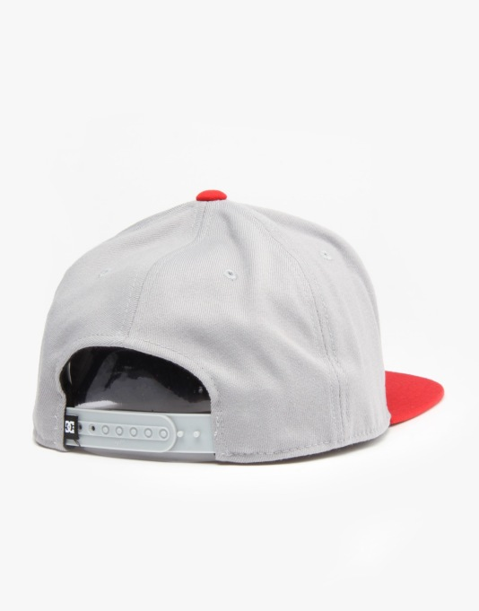 DC Carver Snapback Cap - Grey/Red