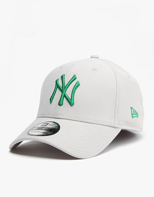 New Era MLB New York Yankees Diamond 39Thirty Snapback Cap - Grey