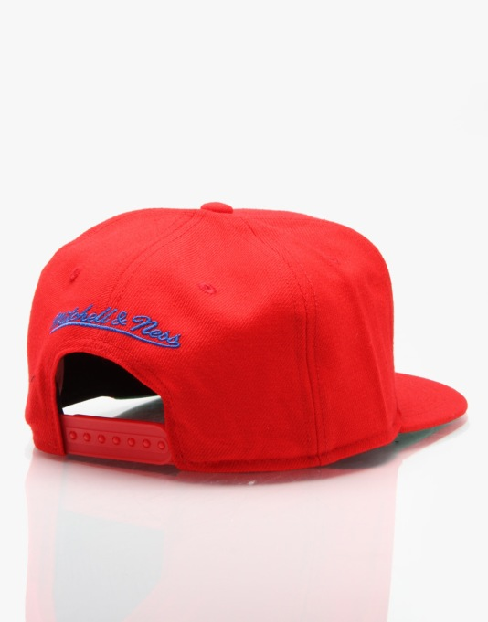 Mitchell & Ness NBA 76'ers Wool Solid Snapback Cap - Red
