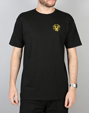 Pass Port Plug In T-Shirt - Black