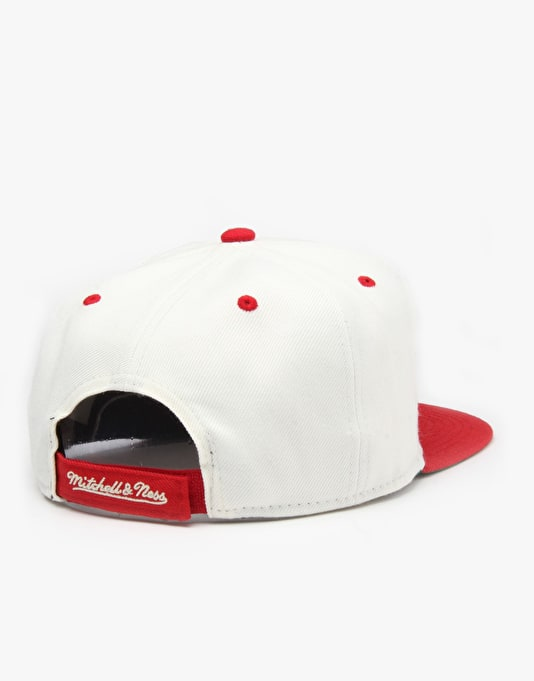 Mitchell & Ness NBA Miami Heat Cream Top Snapback Cap - Cream/Burgundy