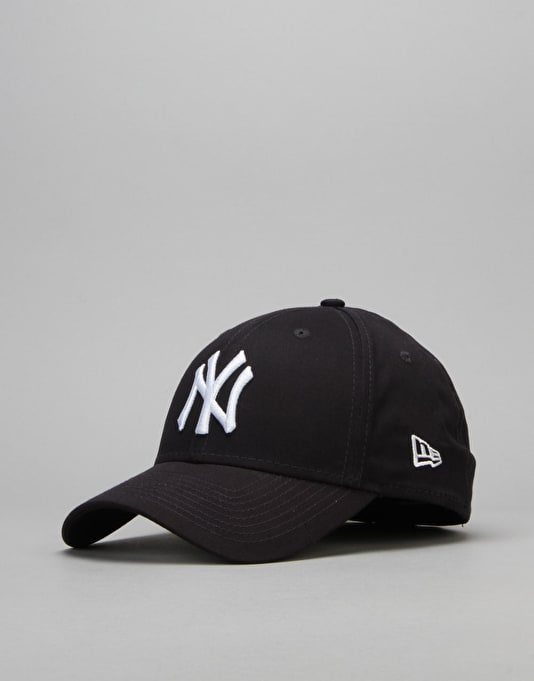 New Era 39Thirty League Basic New York Yankees Cap - Navy/White