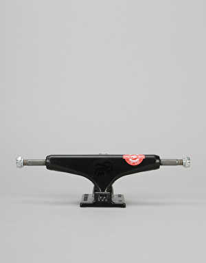 Royal Low 5.25 Team Trucks - Black/Black