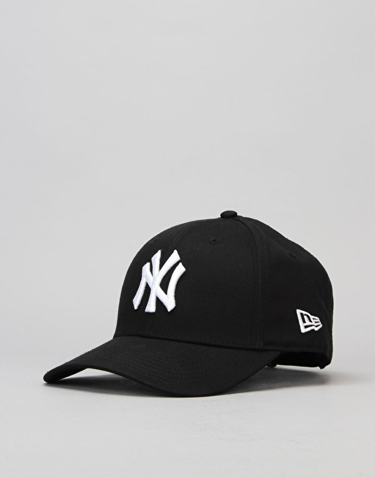 New Era 9Forty MLB New York Yankees Cap - Black/White