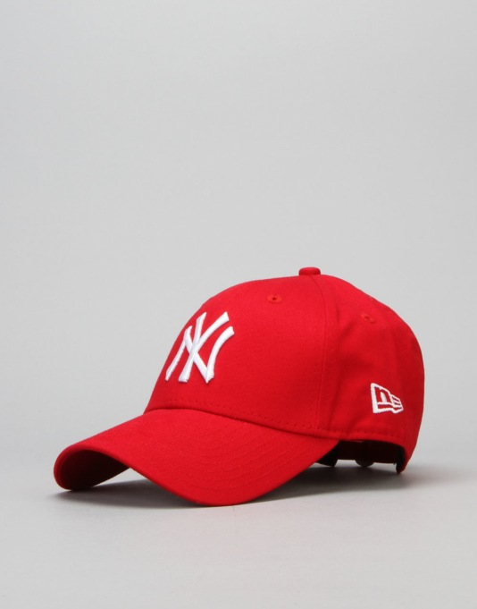 New Era 9Forty MLB New York Yankees Cap - Scarlet/White