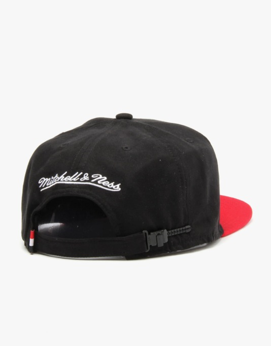 Mitchell & Ness NBA Miami Heat Team Logo Nubuck Snapback Cap - Black
