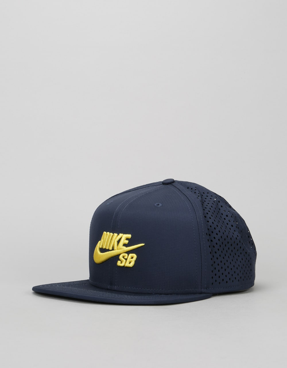 58b4019112b Nike SB Performance Trucker Cap - Obsidian Obsidian Black Tour Yellow