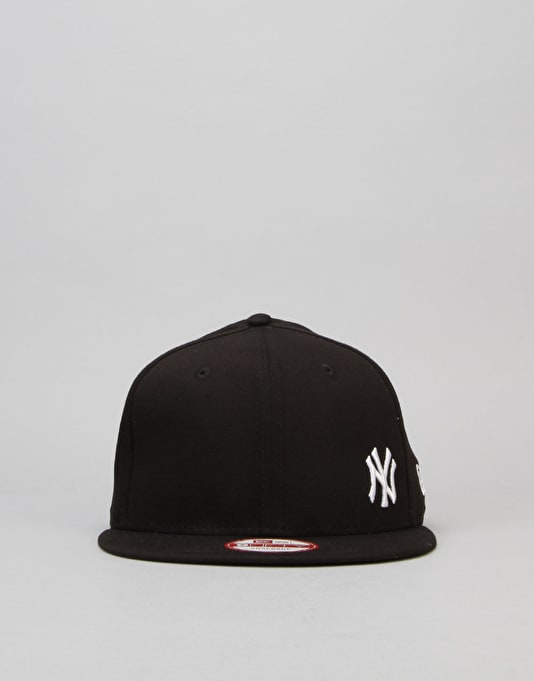 New Era MLB New York Yankees Flawless Snapback Cap - Black