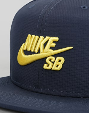 Nike SB Performance Trucker Cap - Obsidian/Obsidian/Black/Tour Yellow
