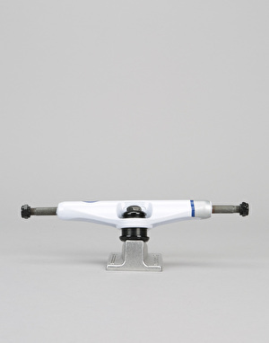 Royal Race Crown 5.5 Standard Team Trucks - White/Raw