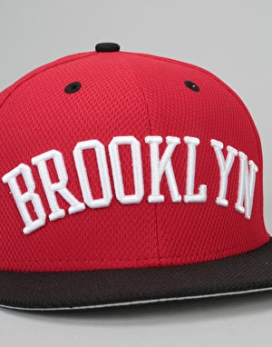 New Era 9Fifty MLB Brooklyn Dodgers Sneaker Snapback Cap - Scarlet
