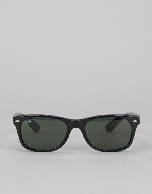 d93c562562 Ray-Ban New Wayfarer Classic - Black Green G-15 Lens RB2132 901 ...