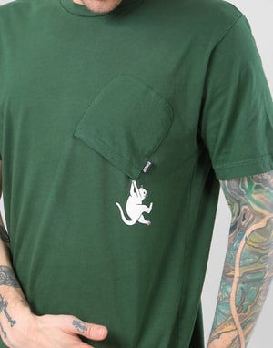 RIPNDIP Hang In There Pocket T-Shirt - Hunter Green