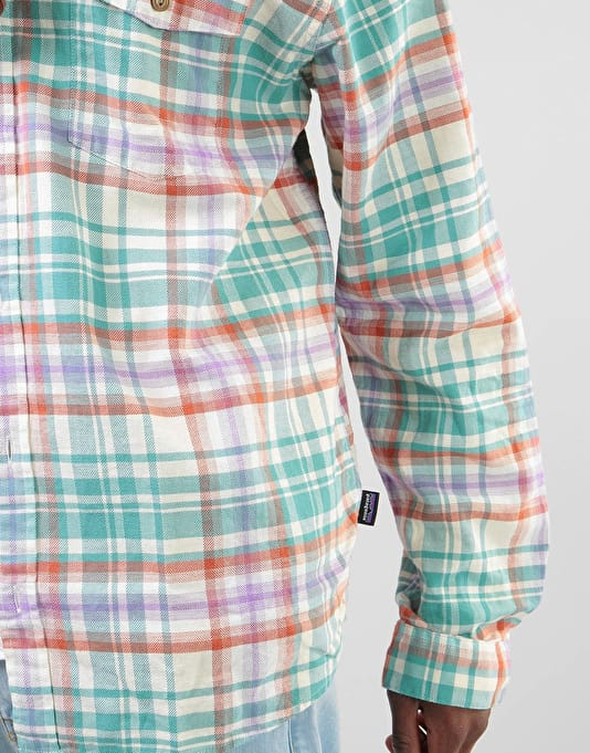 Patagonia L/S Lightweight Fjord Flannel Shirt - Rootsy: Beryl Green