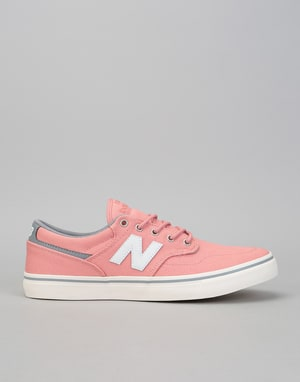 New Balance AM331 Shoes - Rose/White
