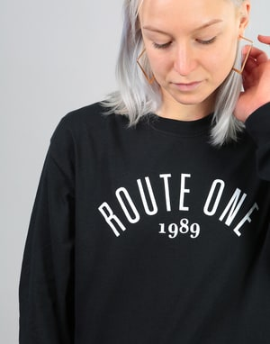 Route One Womens Logo L/S Oversized T-Shirt - Black