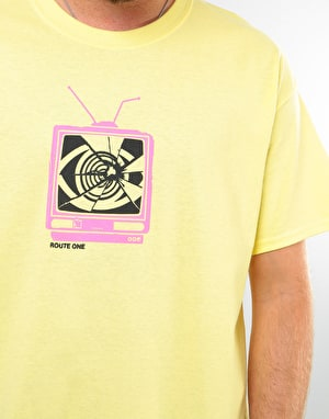 Route One Broken Broadcasting T-Shirt - Cornsilk