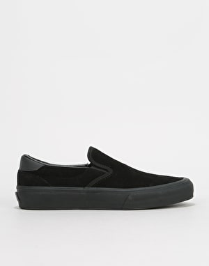 Straye Ventura Slip-On Skate Shoes - Black/Black Suede