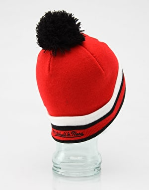 Mitchell & Ness Chicago Bulls Jersey Stripe Bobble Beanie - Red