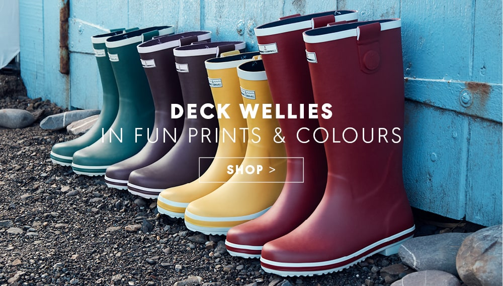 4 pairs of coloured wellies