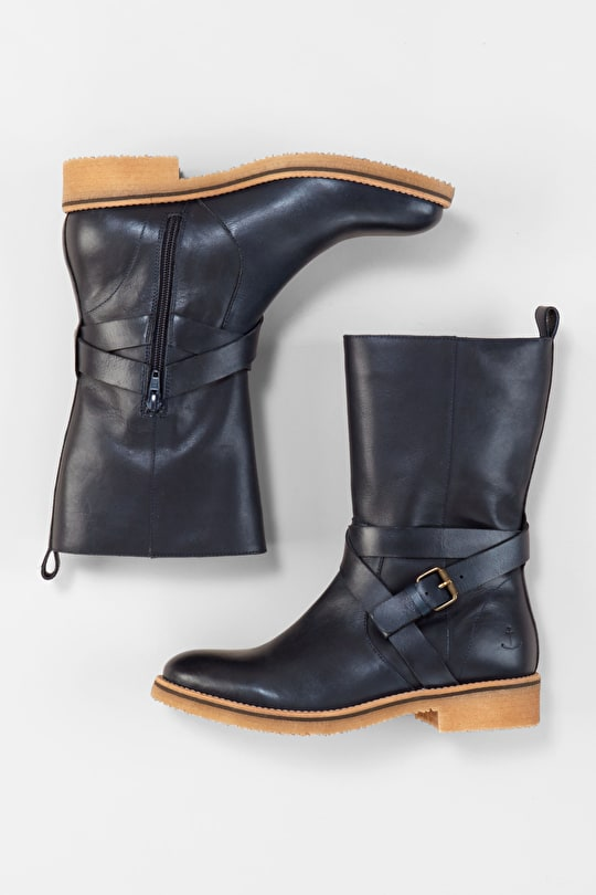 Leather Winter Boots. Calf-length With Low Heel - Seasalt