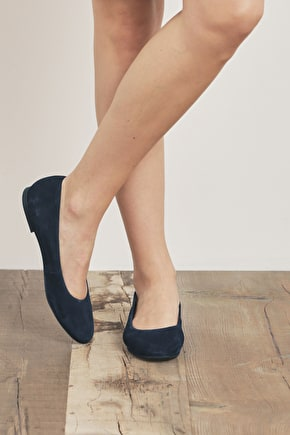 Rose Pump | Suede leather lined shoe | Seasalt