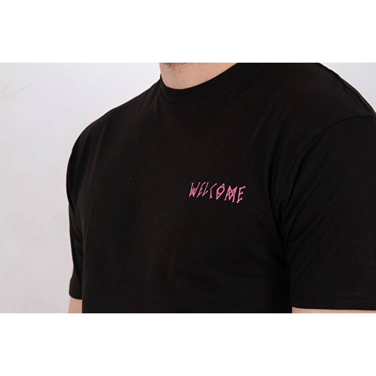 Welcome Talisman T shirt - Black/Rainbow