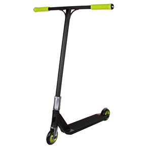 Blazer Pro x UrbanArtt Custom Scooter - Black/Green