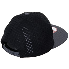 New Era 9Fifty Snapback Cap - NY Mesh Black