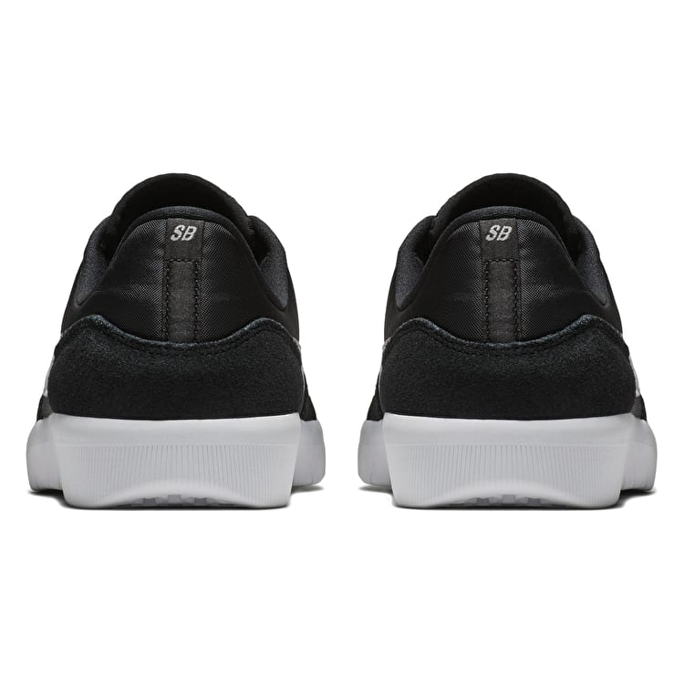 Nike SB Team Classic Skate Shoes - Black/Light Bone/White