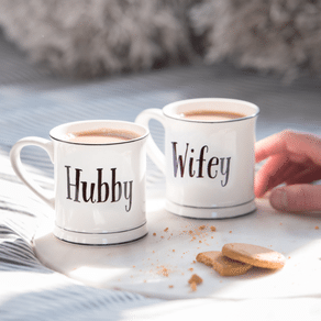 Hubby And Wifey Mug Set