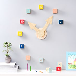 Play Number Brick Clock